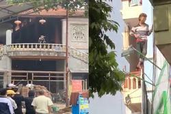 Giải cứu nam thanh niên 'ngáo đá' tự chặt tay mình ở thị trấn Trâu Quỳ, Hà Nội