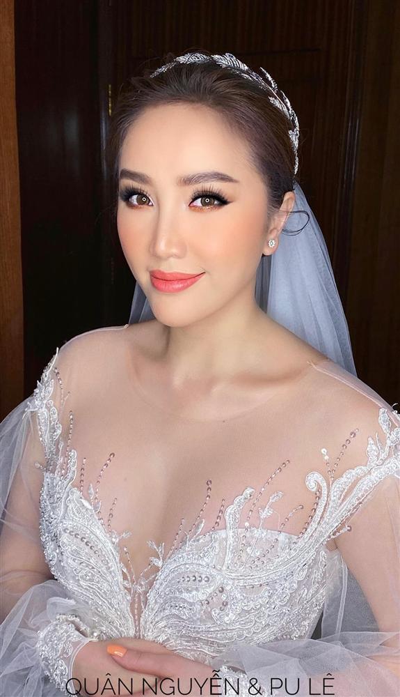 3 bộ chụp ảnh cưới chưa là gì, 3 váy cưới chính thức của Bảo Thy mới thực sự là cực phẩm!-1