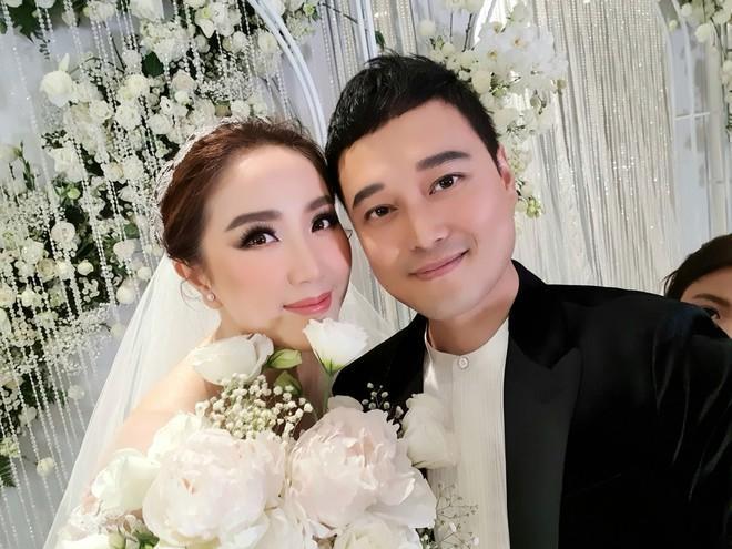 Bảo Thy thay váy, catwalk cùng Quang Vinh ở đám cưới-1