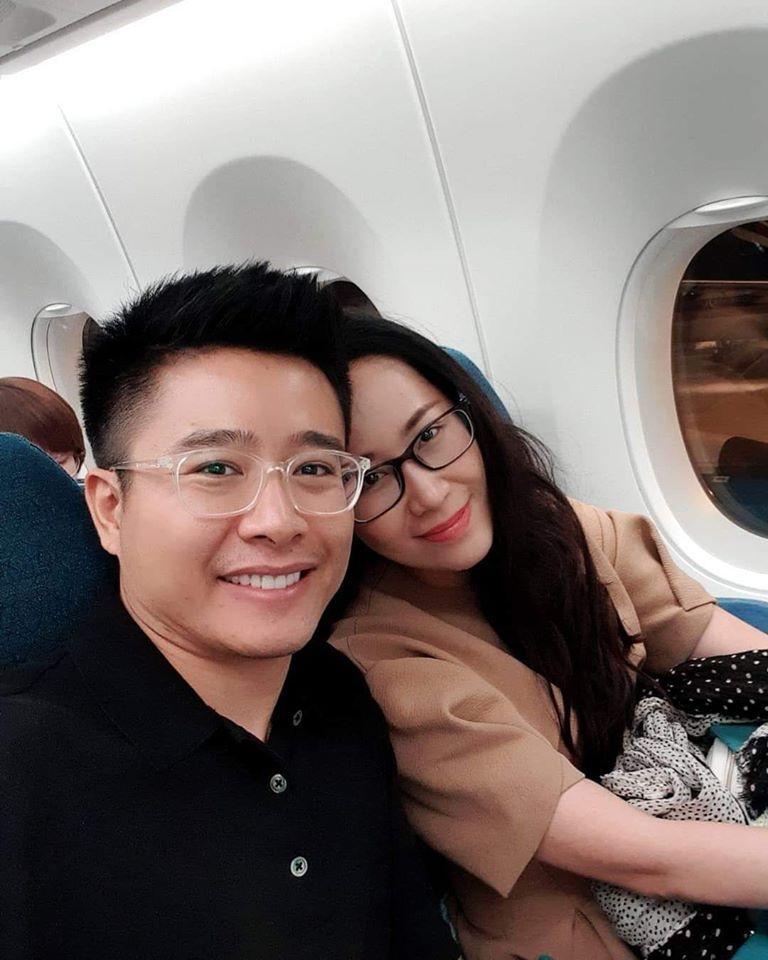 MC Dương Thùy Linh tung ảnh nóng nhưng ngoại hình của ông xã doanh nhân mới chiếm sóng-3