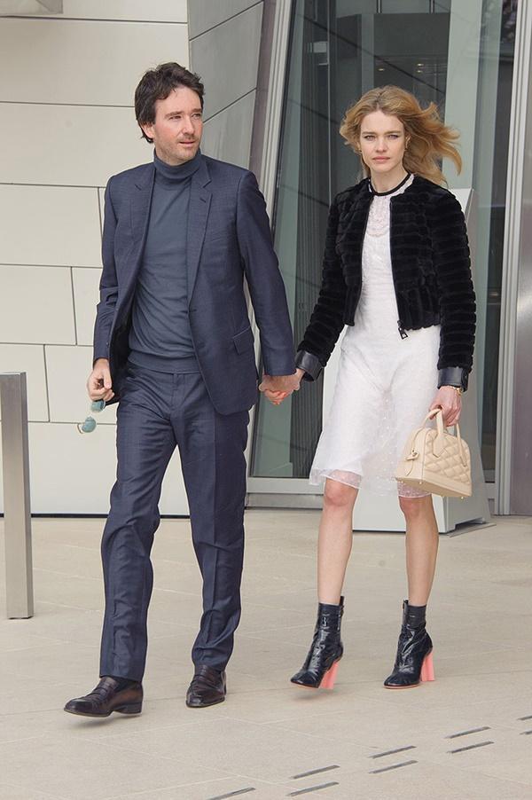 Cô gái bán hàng rong, từng ly hôn trở thành vợ thái tử Louis Vuitton-2