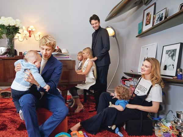 Cô gái bán hàng rong, từng ly hôn trở thành vợ thái tử Louis Vuitton-3