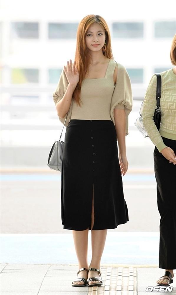 Tzuyu nhiều lần gây thất vọng vì style sân bay khó ngấm-2
