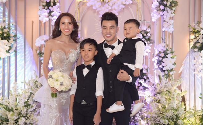 Những khoảnh khắc xuất sắc trong đám cưới sao Việt: Cùng nhau xum vầy con anh - con em - con chúng ta-5