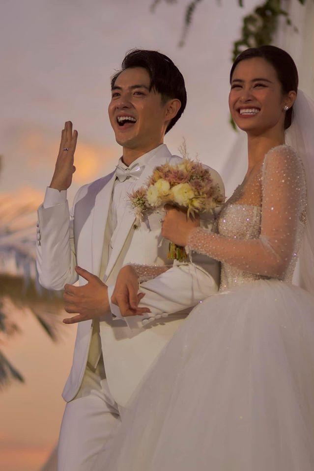 Vợ chồng son Đông Nhi - Ông Cao Thắng đưa nhau đi trốn sau đám cưới cổ tích-3