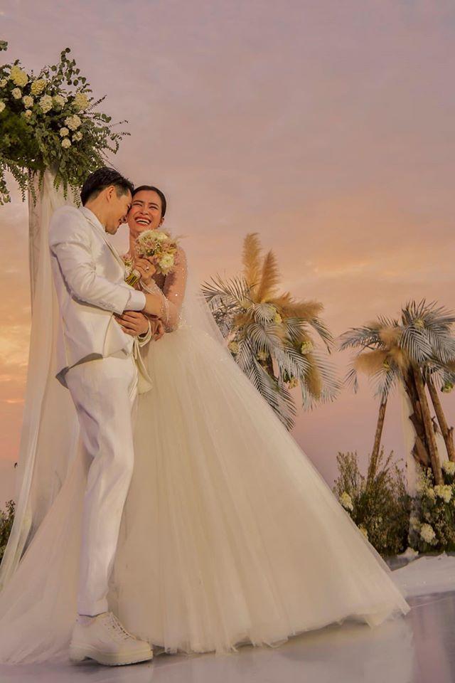 Vợ chồng son Đông Nhi - Ông Cao Thắng đưa nhau đi trốn sau đám cưới cổ tích-4