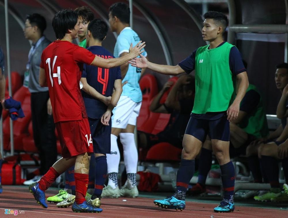 Tuấn Anh và tình bạn ít người biết với tiền vệ Thái Lan-2