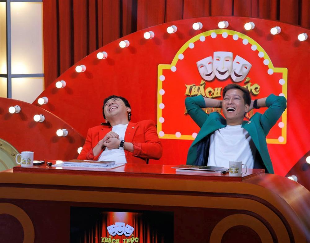 Team 5 chú tiểu tái xuất Thách Thức Danh Hài mùa 6, diễn Bao Công xử án siêu lầy-3