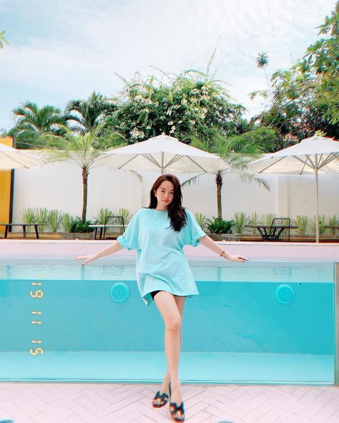 Hòa Minzy mặc đồ rộng thùng thình giữa tin đồn sinh nở - Đức Phúc khoe street style mà ngỡ đi lặn-6