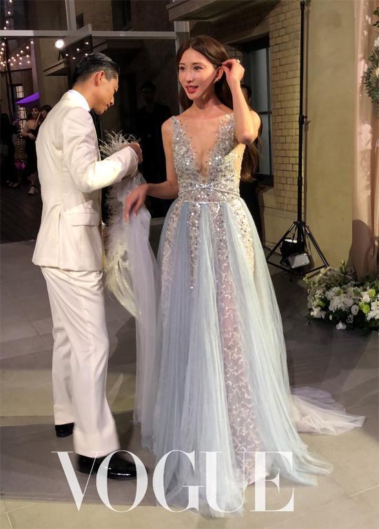 Lâm Chí Linh thay 5 váy trong ngày cưới-5