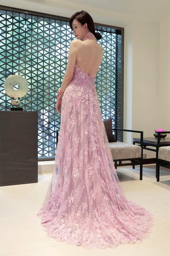 Lâm Chí Linh thay 5 váy trong ngày cưới-8