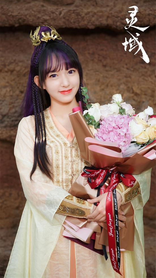 Nữ idol rẽ hướng sang diễn xuất: Người đắc tội Triệu Lệ Dĩnh, kẻ bị chê bất tài-18