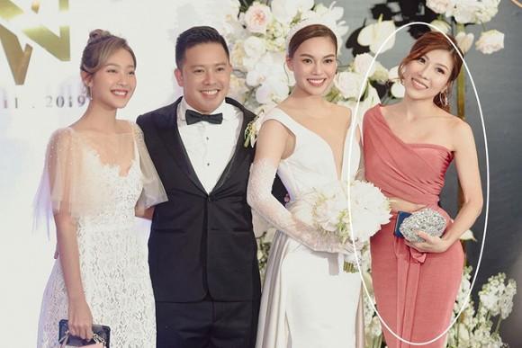 Minh Tú lộ lằn mỡ nách kém duyên - Trang Pháp bị chỉ trích vì chơi trội khi đi dự đám cưới Giang Hồng Ngọc-4