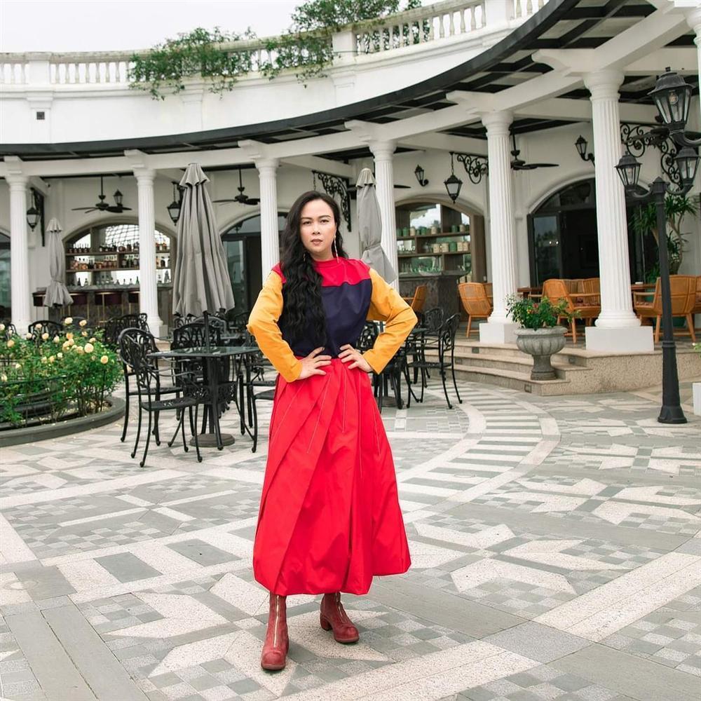 Minh Tú lộ lằn mỡ nách kém duyên - Trang Pháp bị chỉ trích vì chơi trội khi đi dự đám cưới Giang Hồng Ngọc-5