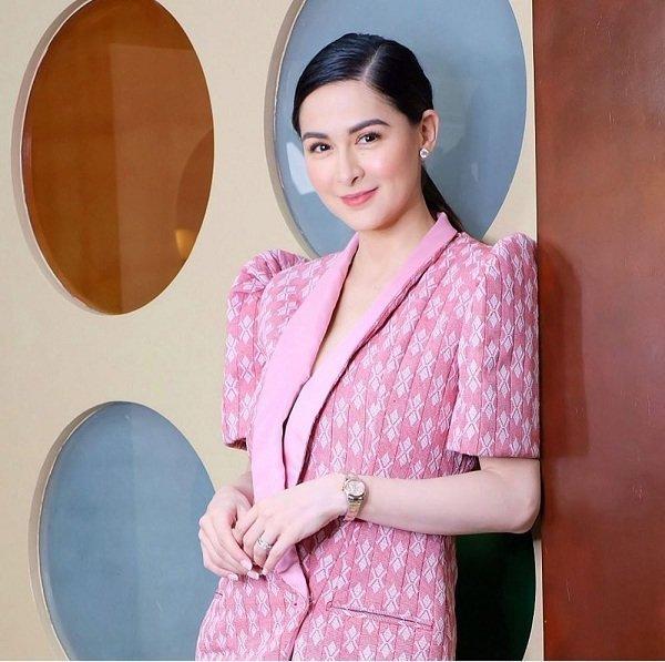 Bị chê mũm mĩm sau sinh, mỹ nhân đẹp nhất Philippines mặc gì để che bắp tay to?-1