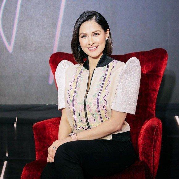 Bị chê mũm mĩm sau sinh, mỹ nhân đẹp nhất Philippines mặc gì để che bắp tay to?-9