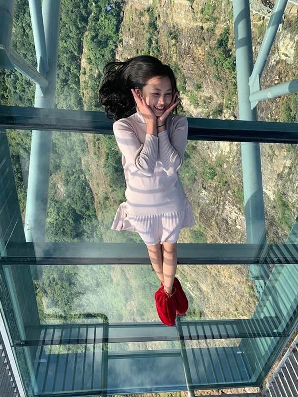 Việt Nam tự hào có 2 cây cầu kính đẹp ngỡ ngàng, du khách háo hức ghé thăm-8