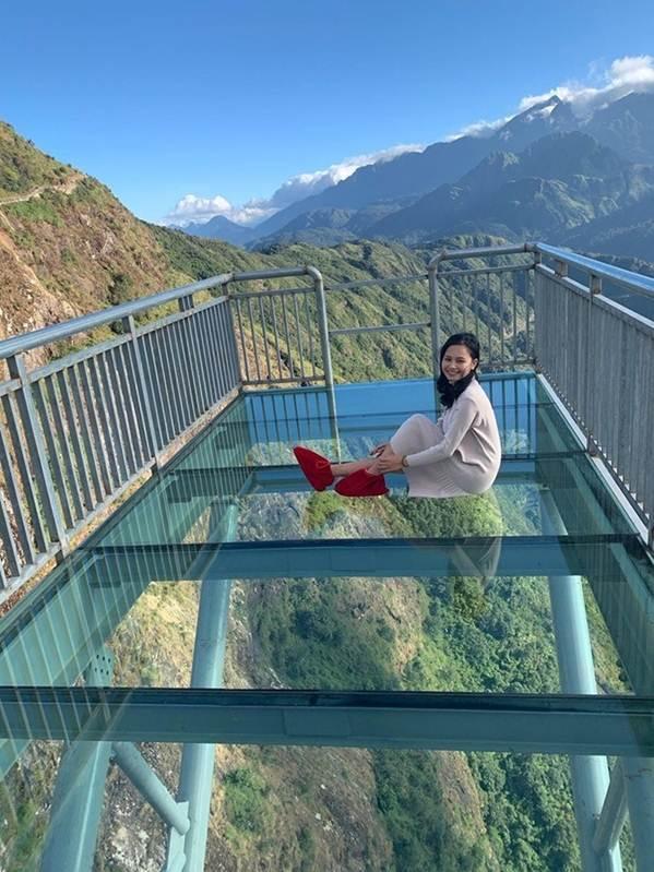 Việt Nam tự hào có 2 cây cầu kính đẹp ngỡ ngàng, du khách háo hức ghé thăm-10
