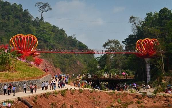 Việt Nam tự hào có 2 cây cầu kính đẹp ngỡ ngàng, du khách háo hức ghé thăm-11