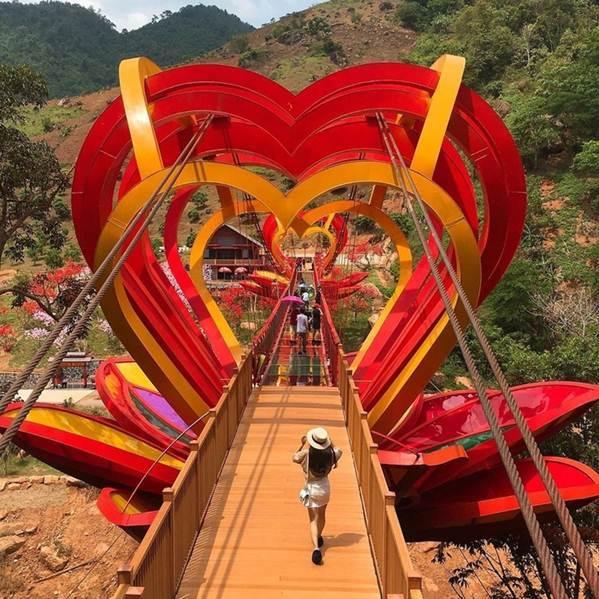 Việt Nam tự hào có 2 cây cầu kính đẹp ngỡ ngàng, du khách háo hức ghé thăm-14