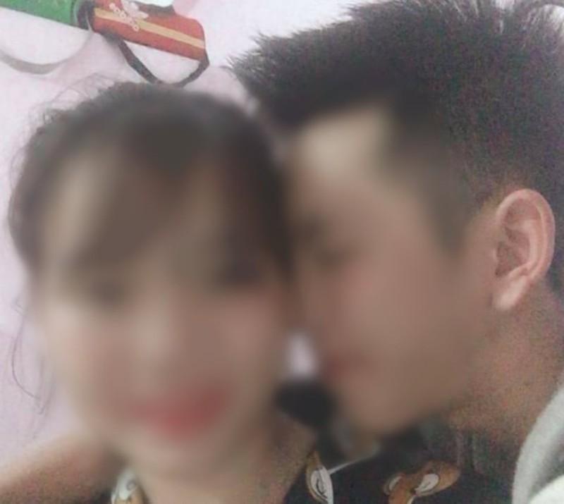 Vụ 3 bố con treo cổ tự tử ở Tuyên Quang: Lộ bức ảnh vợ với trai lạ âu yếm nhau trên facebook?-1
