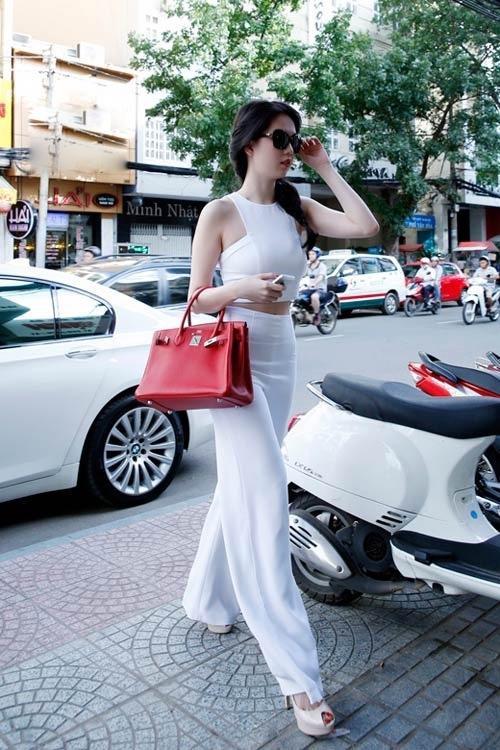 Ngọc Trinh lại lỡ phải lòng một chiếc túi Hermès giá trị bằng cả căn nhà-6