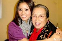 'Hạ Tử Vy' Lâm Tâm Như tay bắt mặt mừng khi gặp lại 'Dung Ma Ma' sau 20 năm