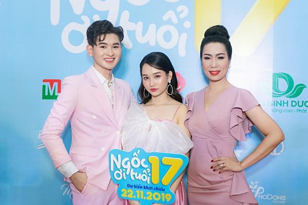 Mon 2k nửa kín nửa hở đến chúc mừng con nuôi Minh Nhí lần đầu đóng vai chính-11