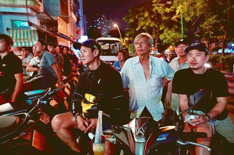 Khoảnh khắc khóc, cười của nghệ sĩ sau trận Việt Nam - Thái Lan-8