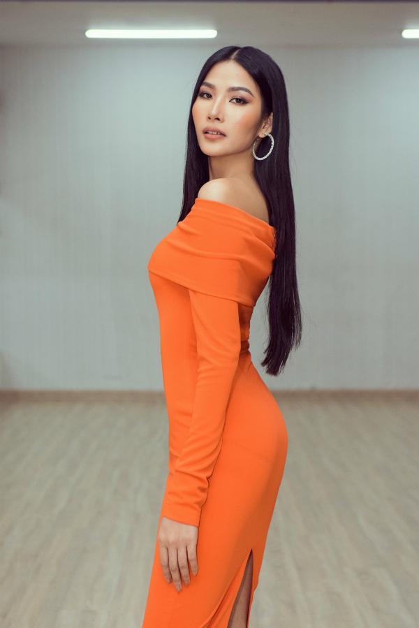 Đối thủ mạnh nhất Miss Universe 2019 nhá hàng khả năng catwalk, Hoàng Thùy nên dè chừng-1