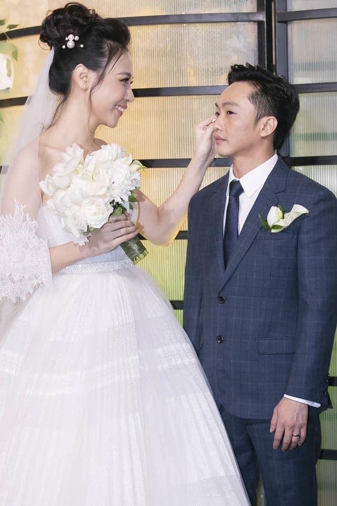 Đàm Thu Trang khoe ảnh hạnh phúc, đón sinh nhật lần đầu tiên với tư cách vợ Cường Đô La-4