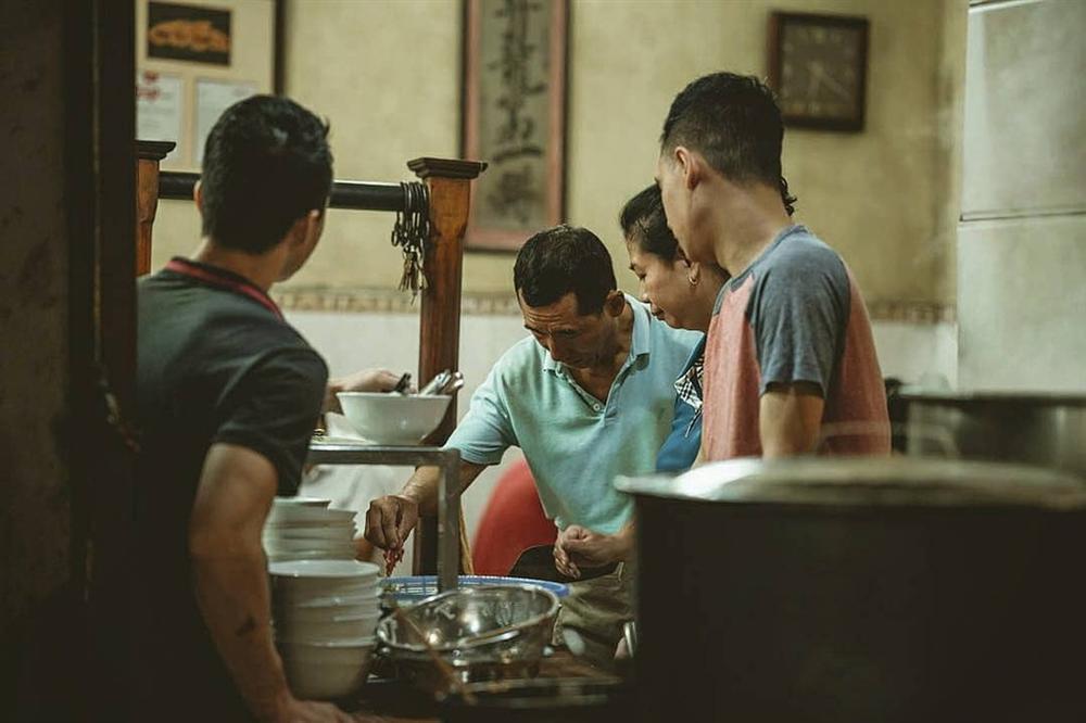 6 hàng phở ở phố cổ Hà Nội xuất hiện trên tạp chí nước ngoài-6