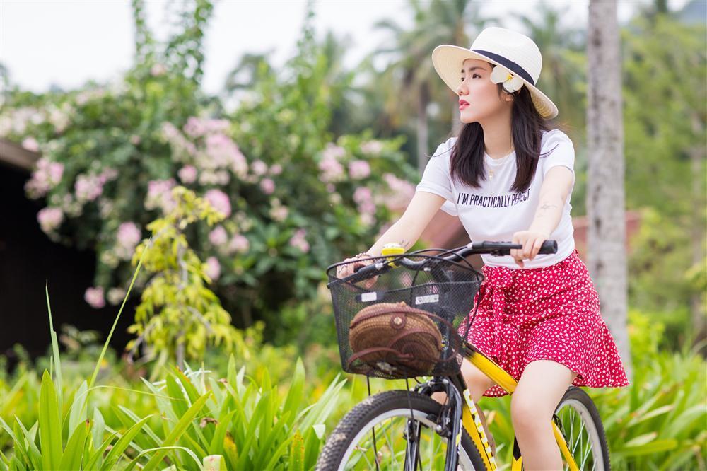 Phương Ly đầu tư khủng, quay MV mới ở loạt địa điểm du lịch nổi tiếng nhất Malaysia-1