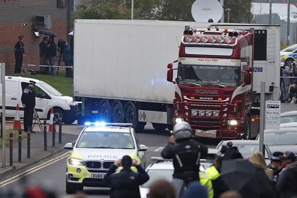Chính phủ ứng tiền đưa 39 người thiệt mạng ở Anh về nước-2