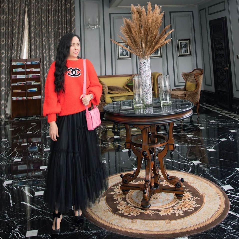 Chi Pu lên đồ kiểu sợ người ta không biết mình mặc hàng hiệu, đụng độ thánh dìm Phượng Chanel-5