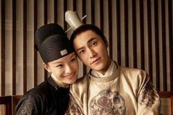 'Tình cũ Phùng Thiệu Phong' Nghê Ni về nhà Trần Khôn trong đêm, thêm bằng chứng phim giả tình thật