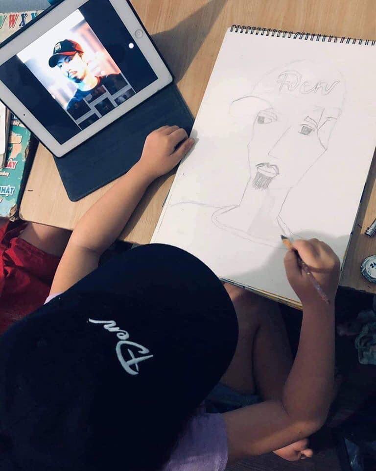 Câu chuyện fan nhí vẽ tranh tặng Đen Vâu và lời nhắn cưng xỉu của nam rapper-3