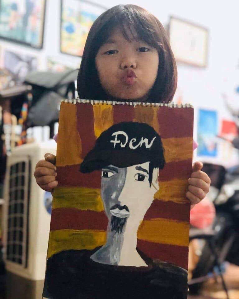 Câu chuyện fan nhí vẽ tranh tặng Đen Vâu và lời nhắn cưng xỉu của nam rapper-4