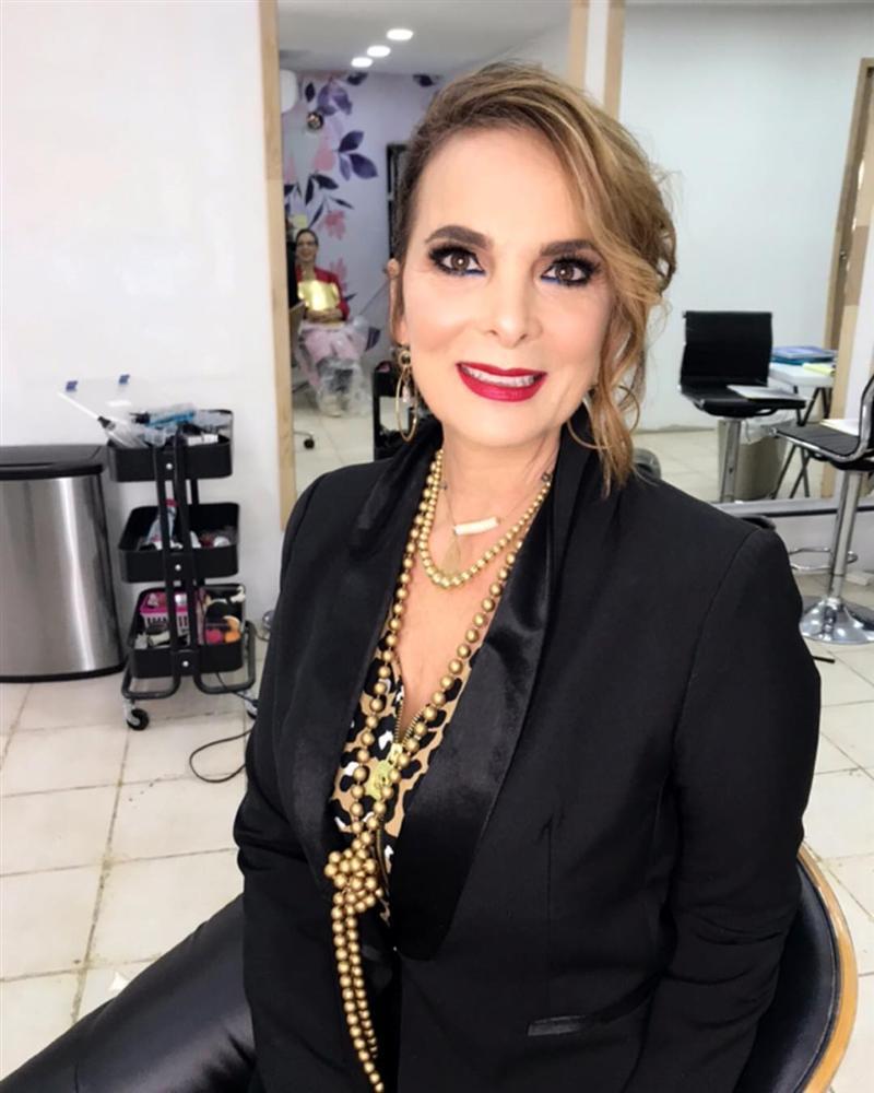 Bản tin Hoa hậu Hoàn vũ 21/11: HHen Niê chặt đẹp Hoàng Thùy khi lên đồ y chang phong cách-4