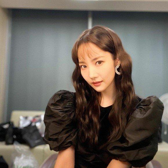 Park Min Young ngày càng lên hương từ trang phục và tóc tai khiến ai cũng khen ngợi nhan sắc-1