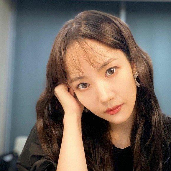Park Min Young ngày càng lên hương từ trang phục và tóc tai khiến ai cũng khen ngợi nhan sắc-2