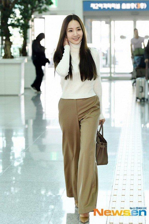 Park Min Young ngày càng lên hương từ trang phục và tóc tai khiến ai cũng khen ngợi nhan sắc-6