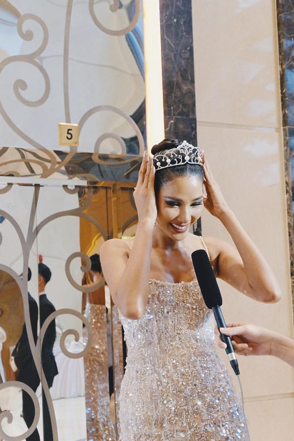 Cafe phin sữa đá trở thành quốc phục chính thức của Hoàng Thùy tại Miss Universe 2019-4