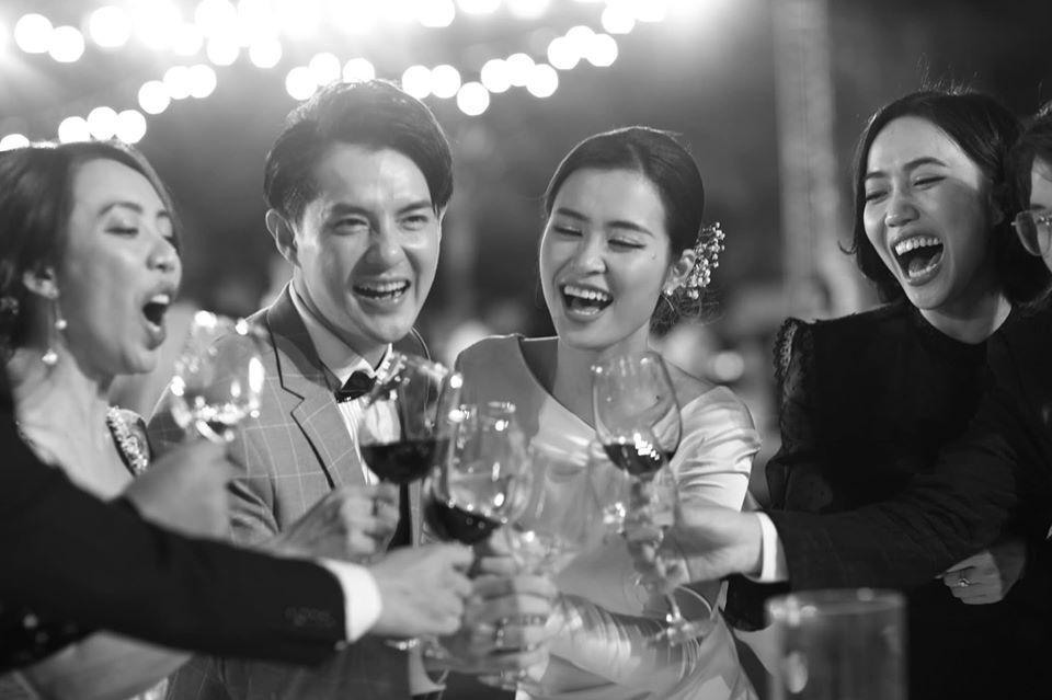 Đông Nhi đăng album ảnh cưới, Ngô Kiến Huy - Jun Phạm giận tím người vì bị dìm tả tơi-1