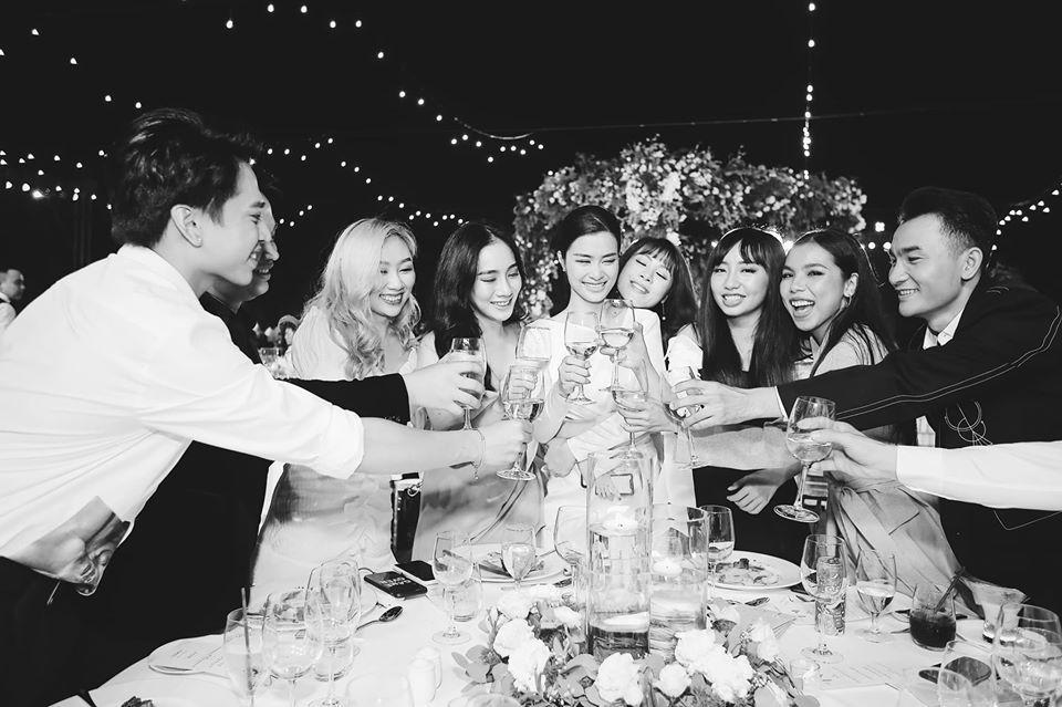 Đông Nhi đăng album ảnh cưới, Ngô Kiến Huy - Jun Phạm giận tím người vì bị dìm tả tơi-2