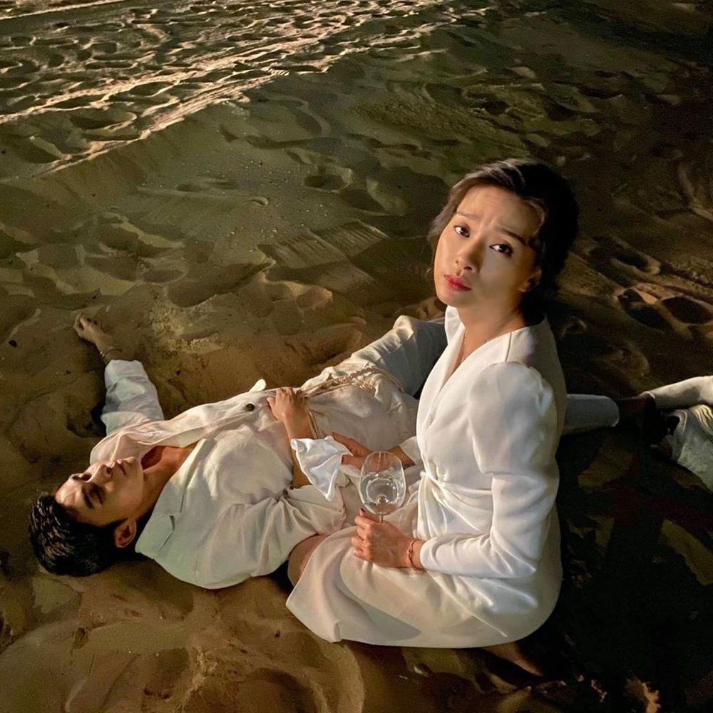 Đông Nhi đăng album ảnh cưới, Ngô Kiến Huy - Jun Phạm giận tím người vì bị dìm tả tơi-11
