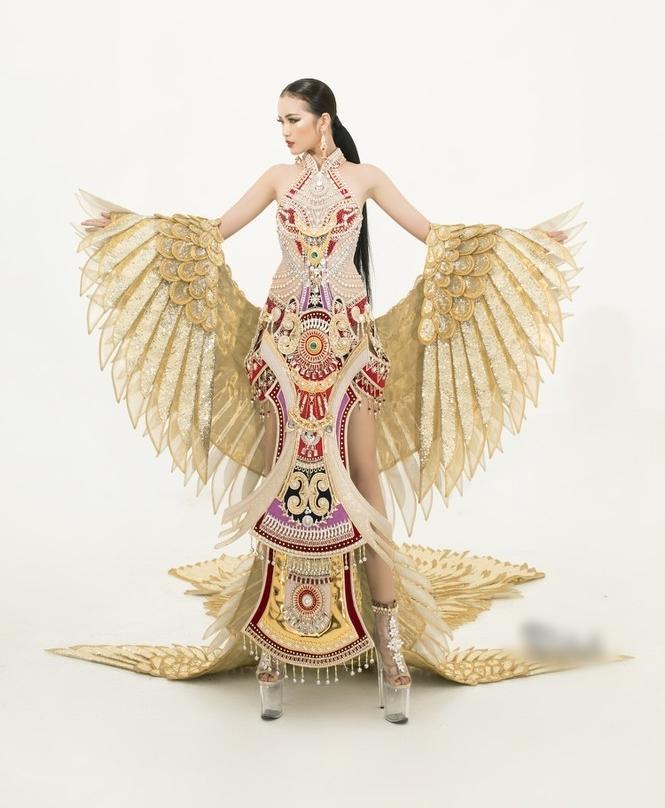 Sau lùm xùm quỵt tiền, đổi nhà thiết kế ngay phút chót, Ngọc Châu khoe bộ trang phục dân tộc chính thức tại Miss Supranational 2019-2