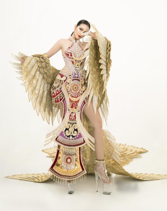 Sau lùm xùm quỵt tiền, đổi nhà thiết kế ngay phút chót, Ngọc Châu khoe bộ trang phục dân tộc chính thức tại Miss Supranational 2019-3