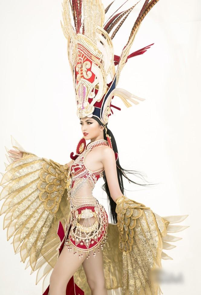 Sau lùm xùm quỵt tiền, đổi nhà thiết kế ngay phút chót, Ngọc Châu khoe bộ trang phục dân tộc chính thức tại Miss Supranational 2019-7