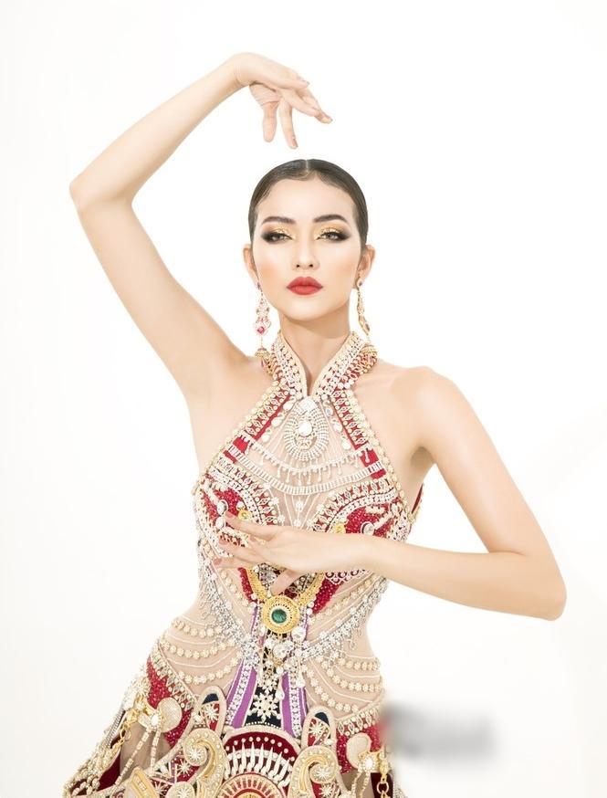 Sau lùm xùm quỵt tiền, đổi nhà thiết kế ngay phút chót, Ngọc Châu khoe bộ trang phục dân tộc chính thức tại Miss Supranational 2019-8
